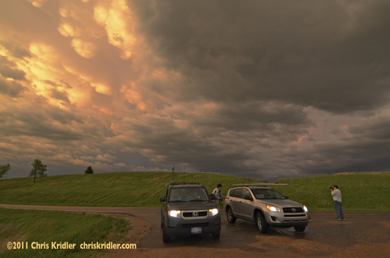 Nebraska mammatus and storm chasers