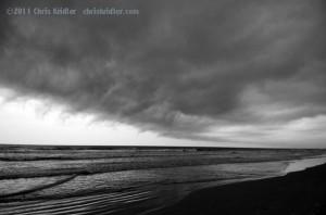 Shelf cloud and ocean